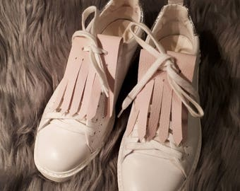 Fringe/removable strips in pale pink faux leather
