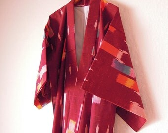 Vintage Japanese Kimono / Wool Kimono / Wine Red Color