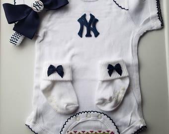 new york yankees baby girl outfit-yankees girl-ny yankees newborn-yankees baby-new york yankees baby girl shower gift/yankees girl take home