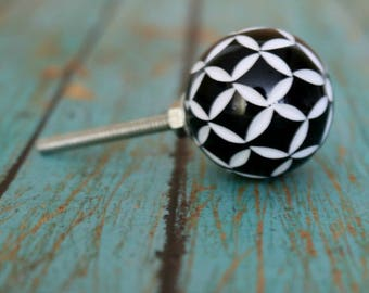 Round Floral Resin Cabinet Knob