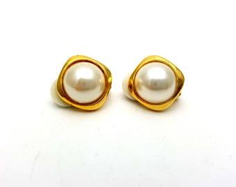Vintage Clip on 80s Earrings Gold Tone Metal Faux Pearls Studs New Wave Industrial Modernist Modern Retro Fashion Runway Feminine