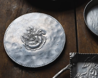 Vintage Everlast Forged Aluminum Small Round Floral Tray