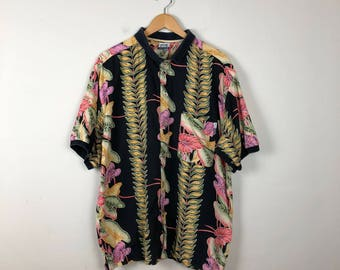 Vintage Hawaiian Button Up Size Large, Black Hawaiian Button Up L