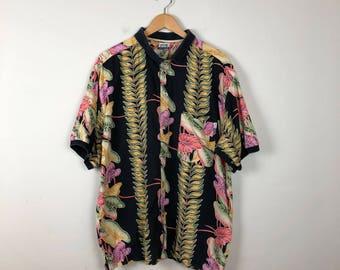 Vintage Hawaiian Button Up Size Large, Black Hawaiian Button Up L