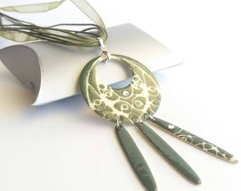 Ethnic necklace green olive, Khaki green bohemian necklace, green and beige, green boho necklace pendant, ethnic chic necklace, made in France