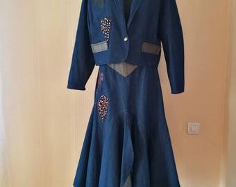 1980's Vintage Dark Denim 2 Piece Suit Skirt Jacket Women's Jeans Costume Set 2 Pieces Embroidered Leather Leaves Applications Size Medium