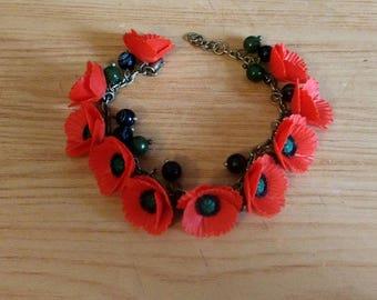 Red Poppy Bracelet, Poppy Jewelry, Red Flower Bracelet, Red Bracelet, Gemstone Bracelet, Woman gift, Handmade jewelry,bracelet with poppies