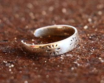 Flower Ring, Flower Toe Ring, Toe Ring,  Adjustable Silver Toe Ring, Simple Toe Ring, Sterling Silver Ring, Sterling Silver Jewellery