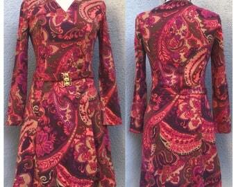 Vintage 70s Floral Print Dress. Courtelle Dress.  Large Dress. Boho Dress. Fall/Winter Dress. Paisley 70s Dress.