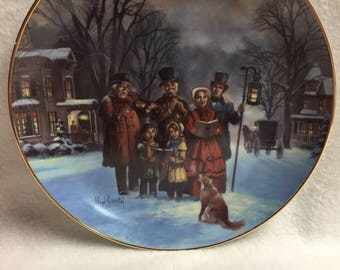 W.L. George Scenes of Christmas Past Collector Plate - 'The Carollers' (#174)