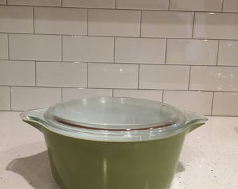 Verde Pyrex 475 Casserole Dish with Lid