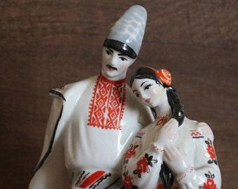 Vintage Figurine of porcelain Oksana and Levko, Kiev Porcelain Manufacture,Soviet Vintage ussr