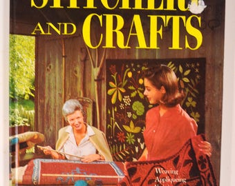 Better Homes and Gardens STITCHERY and CRAFTS hardcover book (1966 Meredith Press)