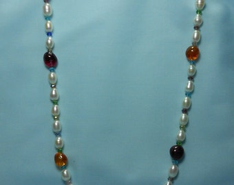 Classic Pearl and Semi-precious stone Necklace / Austria Crystals/ pearls with mixed color