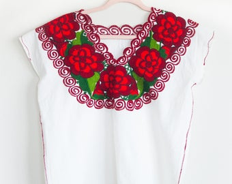 XOCHITL Embroidered Mexican Top/Mexican Shirt/Embroidered Top/Embroidery/Vintage/Ethnic/Large/Plus