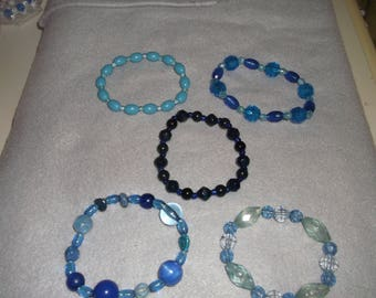 5 x handmade stretchy assorted blue acrylic bracelets