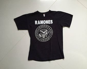 The Ramones T shirt Made in USA Hey Ho Lets Go Sz 47x64cm