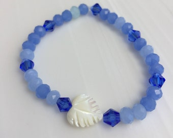 Heart and shades of blue beaded bracelet