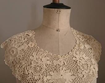 Beautiful Unused Antique Handmade Irish clones irish crochet lace dress collar Ecru