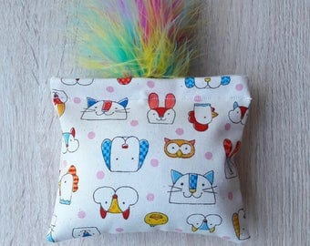 Happy animals-catnip pillow cat toy with feathers, catnip hugger, catnip toy feathers, catnip kicker, jouet herbe aux chats plumes, cat gift