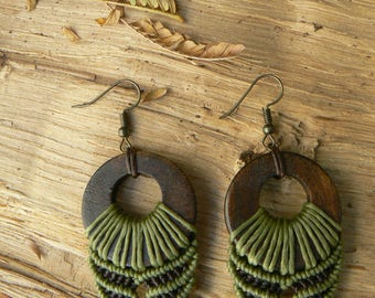Macrame earrings.Handmade earrings.Gift for women.Boho jewelry.Green earrings.Hippie jewelry.Ethnic earrings.Gift for her.Wood earrings.