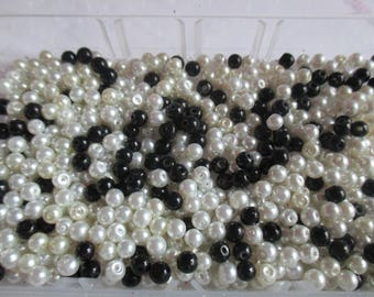 50 4 mm white, black and cream glass pearls