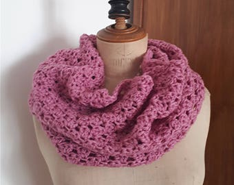 Lilac crocheted Snood