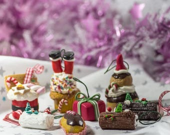 SET OF 8 CHRISTMAS SUBJECTS HAS HANGING 100% HANDCRAFTED