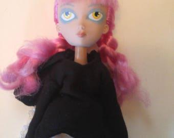 RARE Waif Toy2R's 11″ Bunnyhood Big Eyes Doll