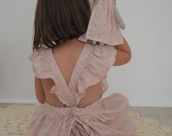 Libertycapel nude dress