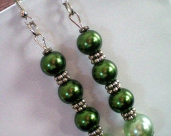 Magic green and spacer beads dangling earrings metal - h 8 cms