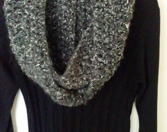 Crocheted Infinity scarf - black and white