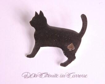 Walking black cat brooch, ace of spades