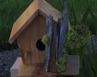 Birdhouse of Repurposed Wood
