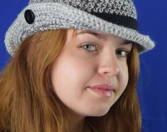Elegante Damen Designer-Mütze mit Krempe, designd by Alexander / KU 58 - 60 cm / grau meliert / crochet hat woman