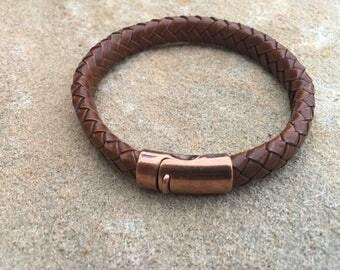 Men's brown braided leather bracelet