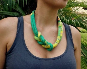 Necklace without enemal madras bow