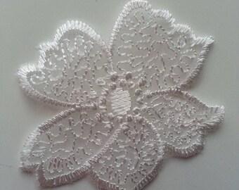 fleur en dentelle blanche 50mm