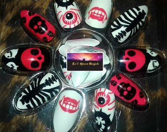 Hand Painted Halloween Stick On False Nails  X 24 - Point Almond Stiletto Shape - Free Glue & Manicure Cuticle Stick - Skull Fangs Vampire