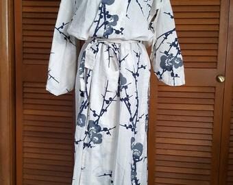 Vintage 1960s Japanese Cotton Yukata Kimono Robe - Size M