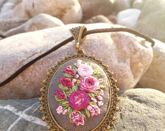 Embroidery necklace jewelry Embroidered pendant Red roses jewelry Red rose necklace Flower wife jewelry Unusual present Wife red jewelry Eco