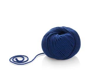 Navy blue Pure Merino Yarn - Worsted Merino Yarn - Superwash Merino Yarn - Winter Wool Yarn - Aran Merino Yarn -  100% Pure Wool