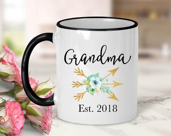 Grandma Established Date Gold Arrows Mug // Pregnancy Announcement // Grandma Gift