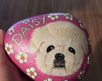 """Custom painted Rock Pet, """"Daisy"""""""