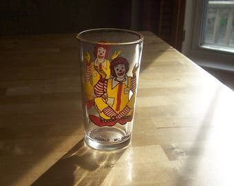 Vintage McDonald's Ronald McDonald Glass - 70s 1970s Fast Food Promotional Collectible - 70s Glassware Kitchenware Houseware - Retro