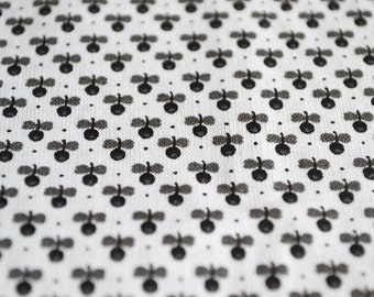 Black Cotton Fabric - White Cotton Fabric - Summer Weight Fabric - Black White Fabric - Quilting Cotton - Quilting Print Fabric