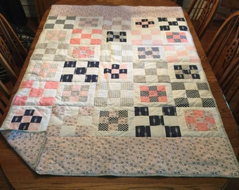 Circles with Squares Quilt