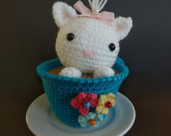 Kitty in Latte Amigurumi/crocheted, baby gift idea, ornamental decoration for children's room