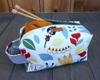 Boxy Zippered Bag -- Folksy Floral -- Crafter -- Makeup -- Project -- Toiletries -- Dopp Kit -- Clutch