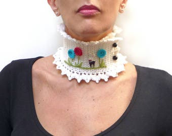 White Collar Neckwarmer with a Little Deer and Big Flowers - Crochet Wool Choker Necklace with Fawn, Bambi, Deer - OH DEER